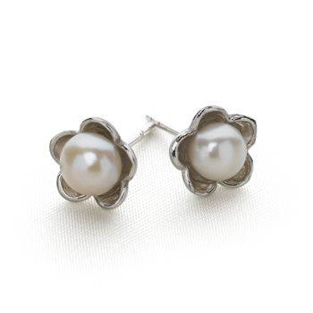 Daisy Pearl Studs (Silver)