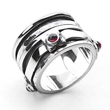 Yalissa Ring