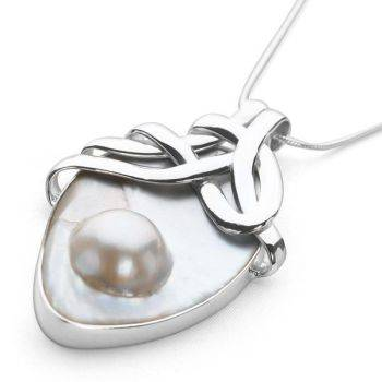 Eastern Essence Pendant (Mabe Pearl)